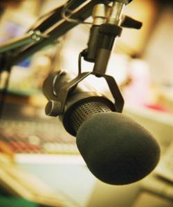 pozbawieni_wyboru__rozprawka_o_polskim_radiu