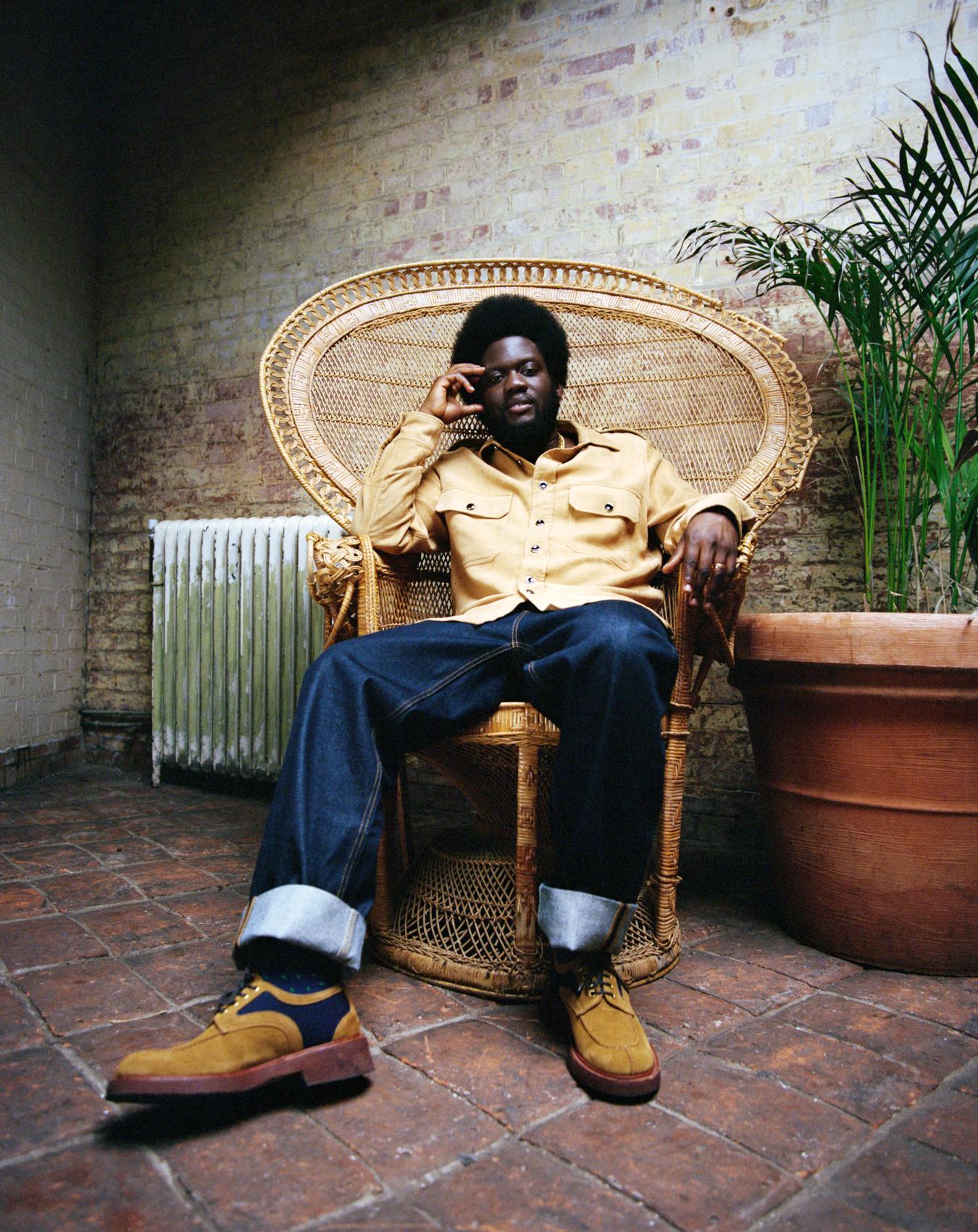 Michael Kiwanuka wspomina słynnego aktywistę w singlu Hero