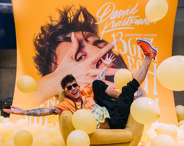Dawid Kwiatkowski Pop Up Store:Tłumy fanów Dawida Kwiatkowskiego na premierze albumu w Warszawie!