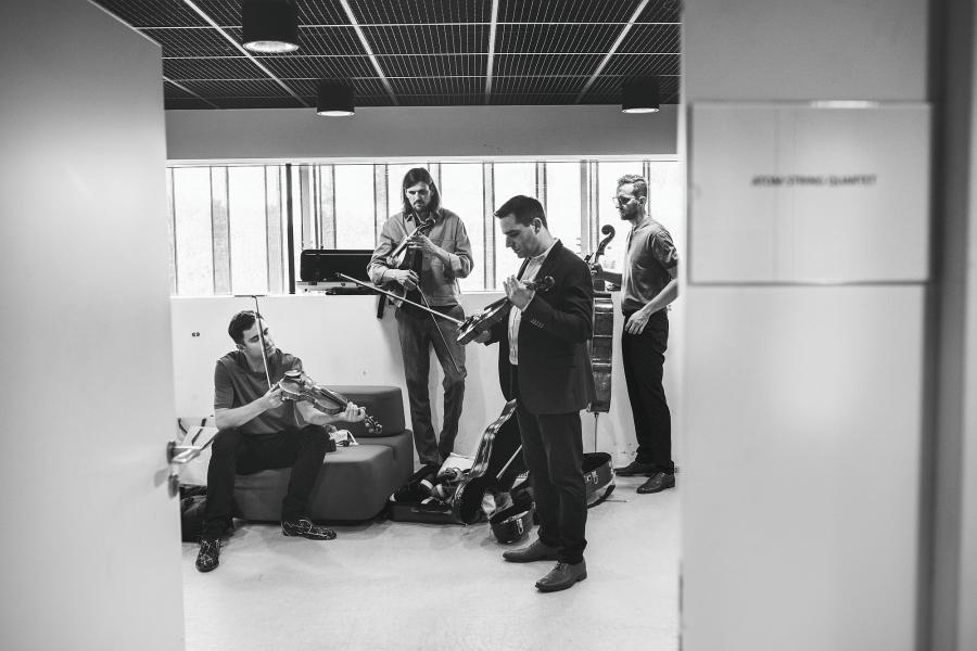 Atom String Quartet, Vladyslav Adzik Sendecki, Olga Pasiecznik, NDR Bigband  11.11. na koncercie w Warszawie