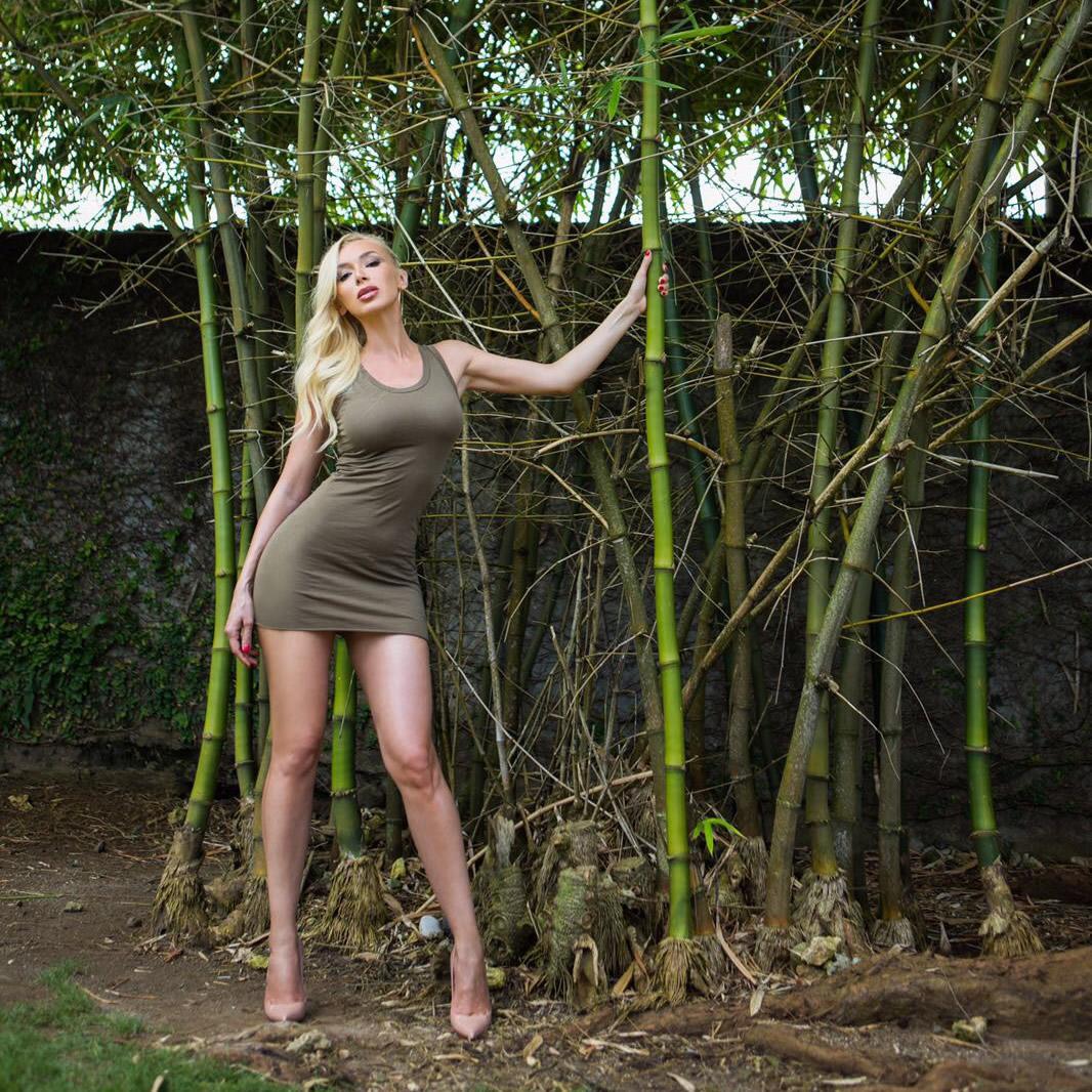 Ivy Layne: Pierwszą płytę nagrałam z miłości i o miłości...